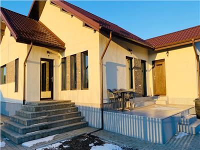 Casa individuala 4 camere Mobilata Aroneanu
